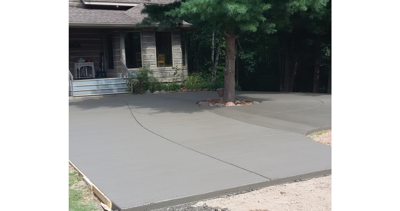 complete-concrete-construction-wisconsin-driveways-sidewalks-gallery10