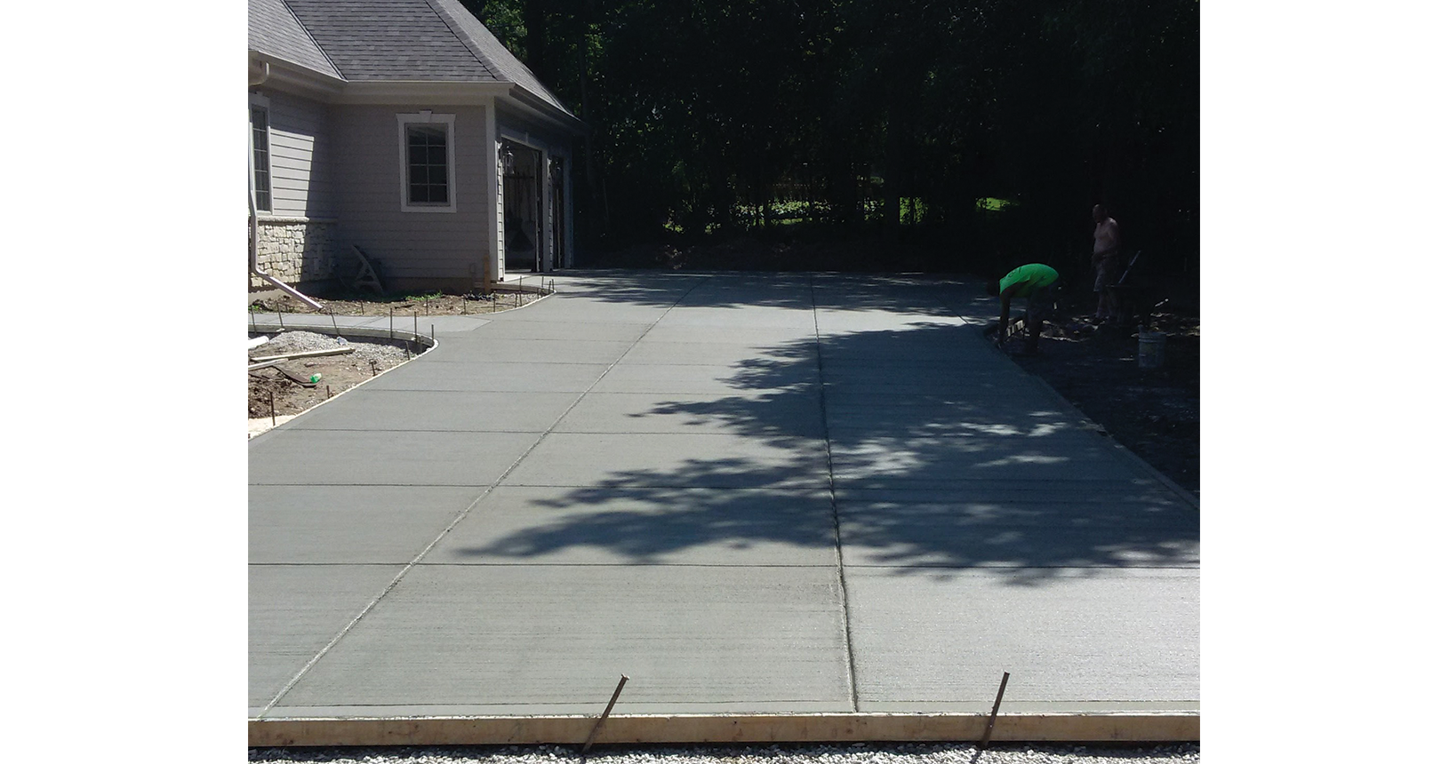 complete-concrete-construction-wisconsin-driveways-sidewalks-gallery2