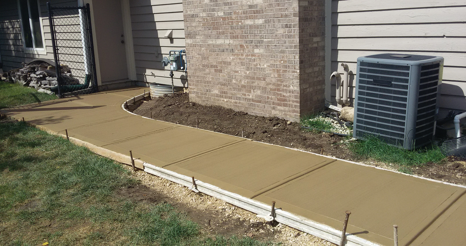 complete-concrete-construction-wisconsin-driveways-sidewalks-gallery3