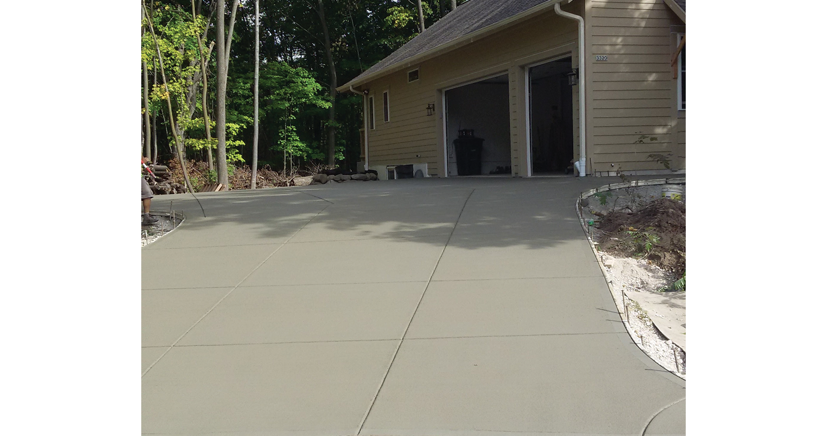 complete-concrete-construction-wisconsin-driveways-sidewalks-gallery4