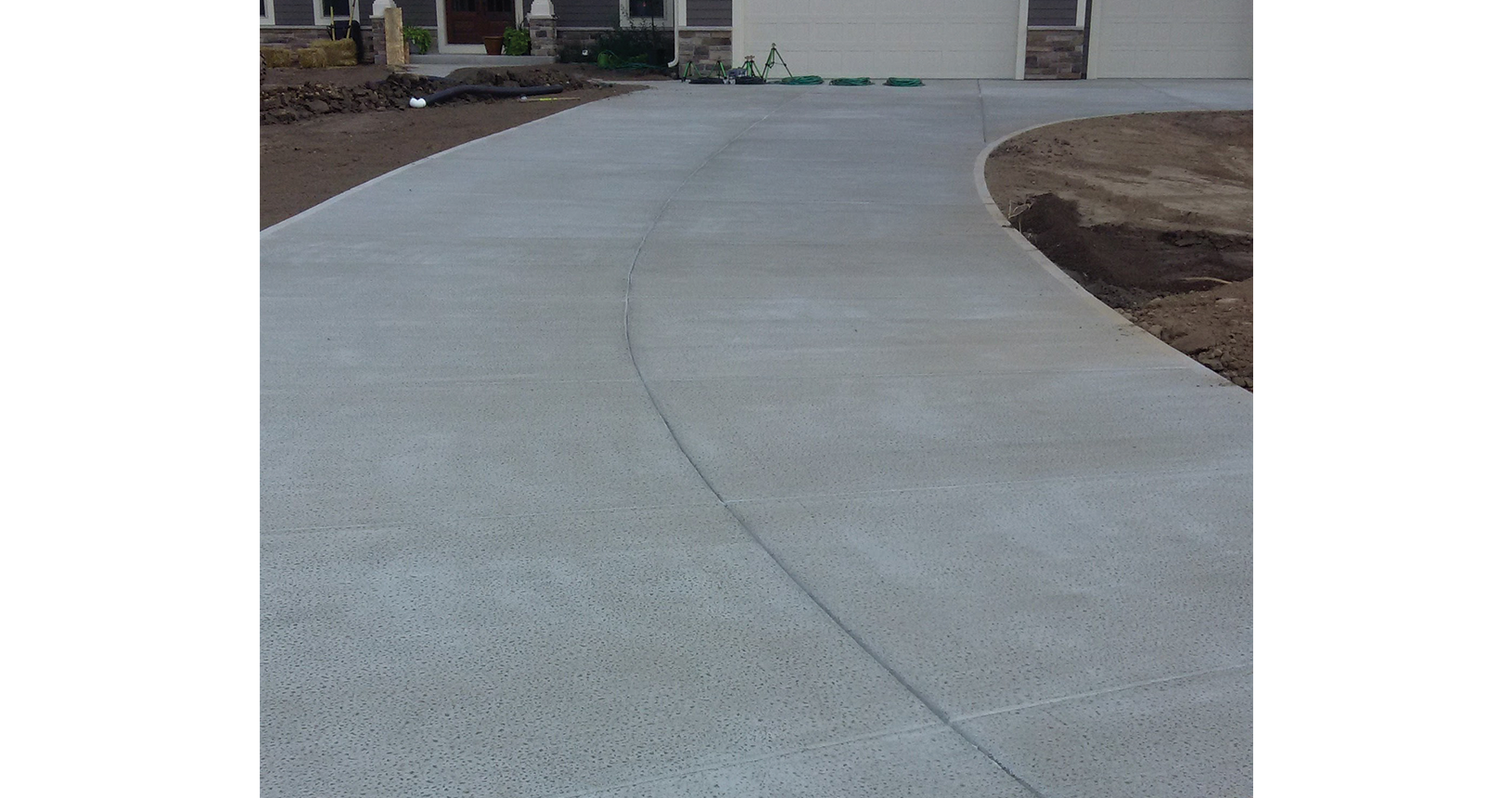 complete-concrete-construction-wisconsin-driveways-sidewalks-gallery6