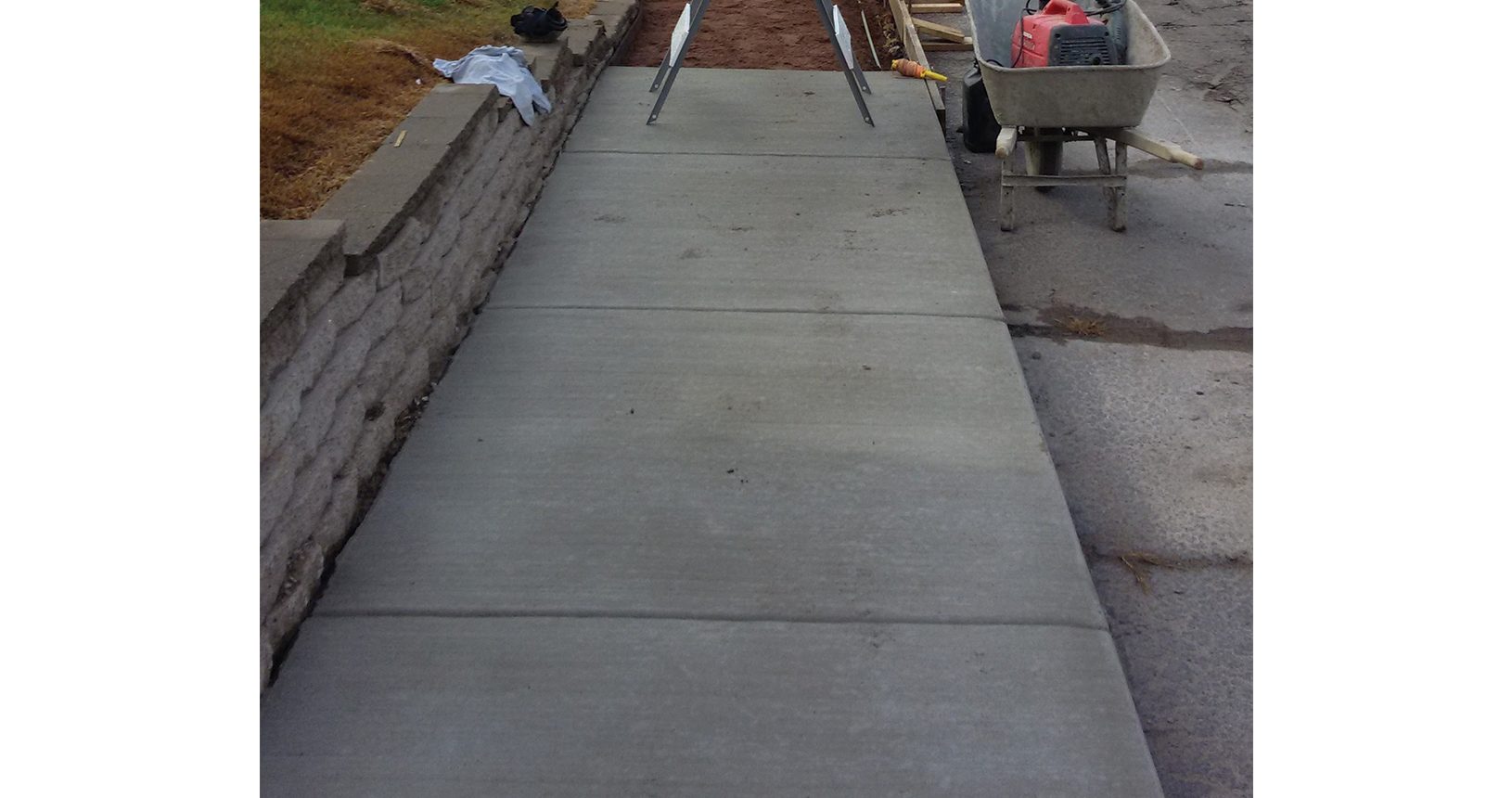 complete-concrete-construction-wisconsin-driveways-sidewalks-gallery9
